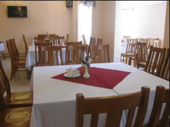 Nhà hàng của khách sạn sạch sẽ và tiện nghi