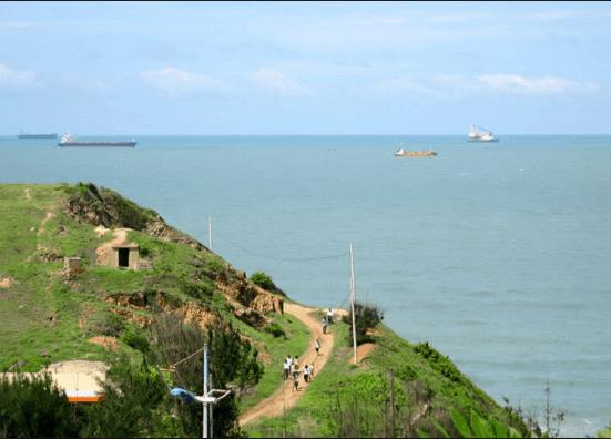 Đường đến bãi Vọng Nguyệt