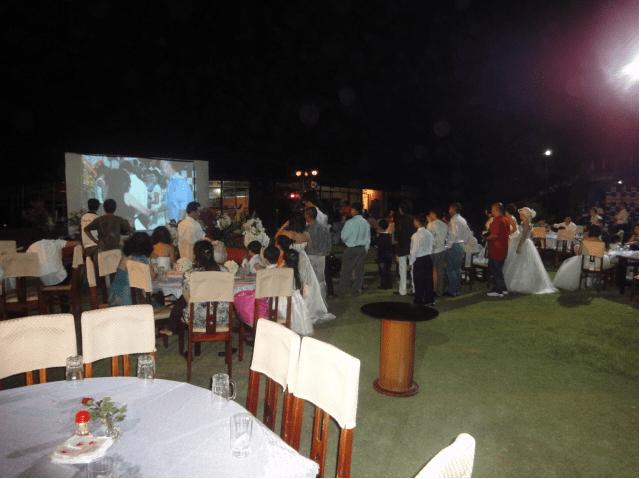 Hòn ngọc Đông Hải tổ chức tiệc cho du khách đi theo đoàn đông