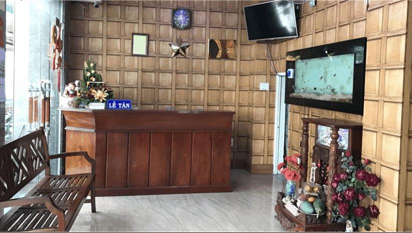 Quầy lễ tân tiếp khách của khách sạn Thuỷ Vân