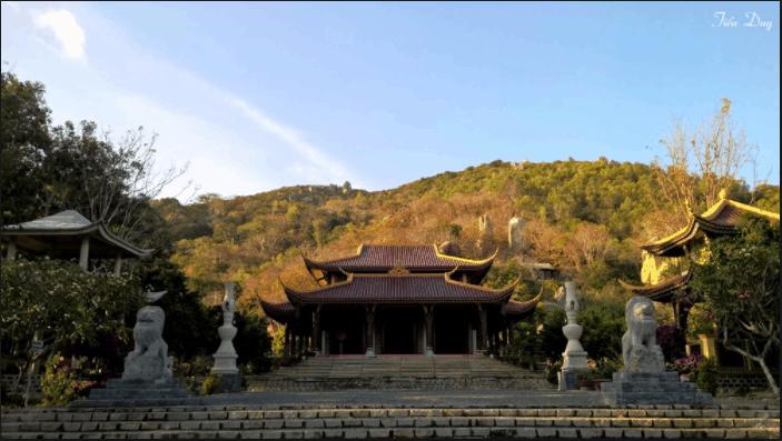 Thiền viện toạ lạc tại nơi phong cảnh hữu tình