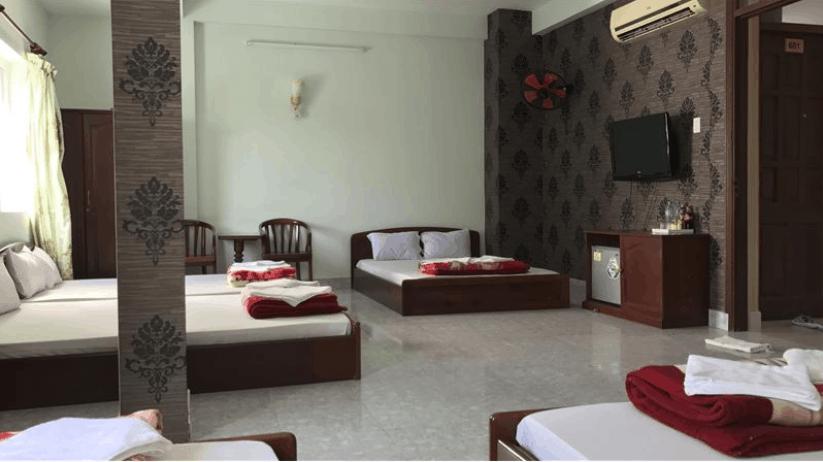 Phòng ngủ tập thể của khách sạn rất rộng