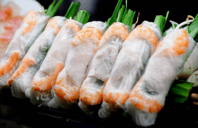 Đồ ăn vặt ngon nổi tiếng ở chợ Bến Thành (Ảnh ST)