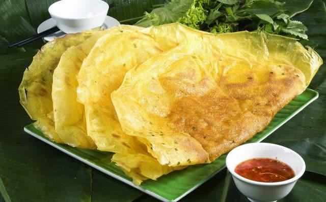 Bánh xèo là một món ăn bình dị, dân dã ở Quảng Ngãi
