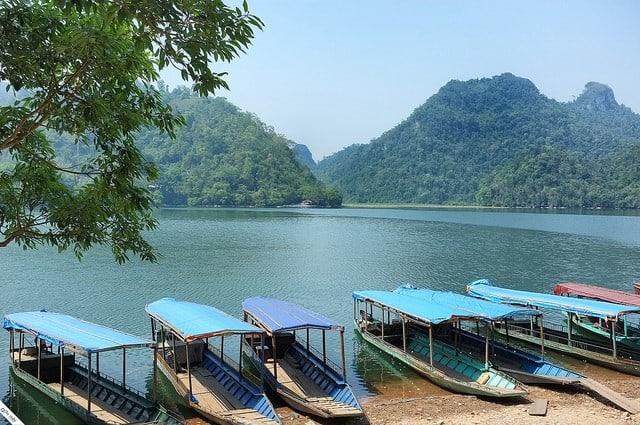 Bến du thuyền hồ Ba Bể - kinh nghiệm du lịch