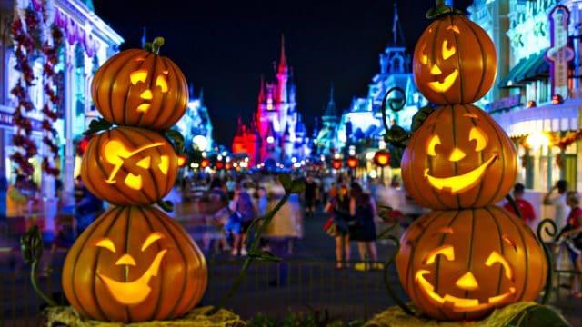 Bí đỏ được xem là biểu tượng của lễ hội Halloween