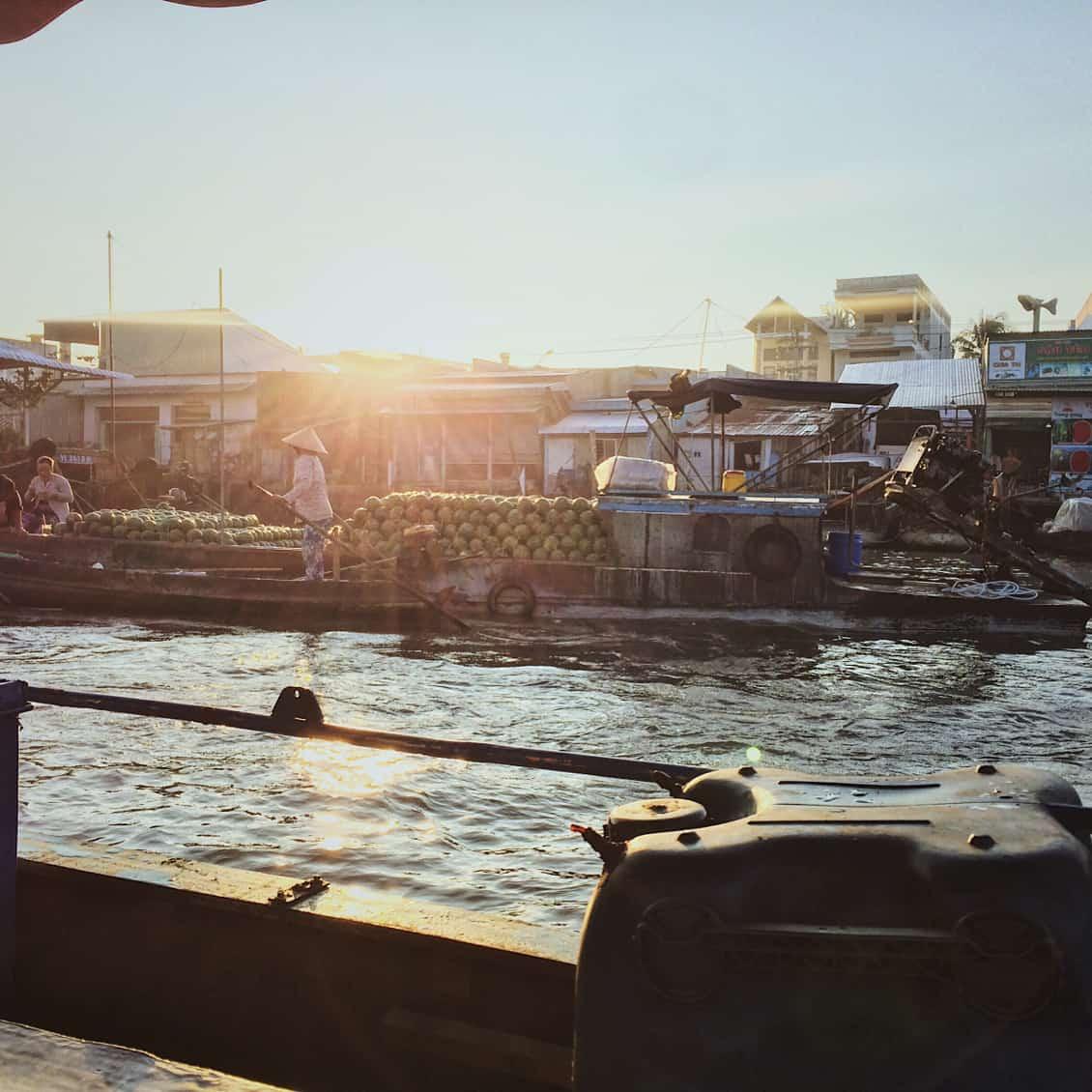 Trải nghiệm ẩm thực ngay trên sông nước lênh đênh