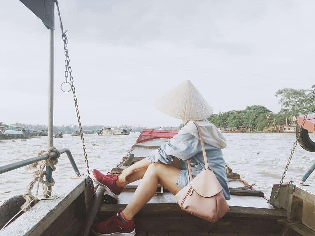 Lênh đênh trên ghe thuyền khám phá vẻ đẹp chợ nổi Cái Răng