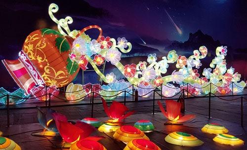 Khám phá thêm nhiều lồng đèn tại thung lũng Sao Băng