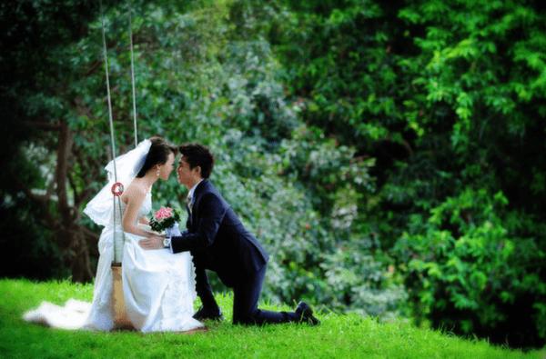 Công viên là nơi lý tưởng để chụp ảnh cưới