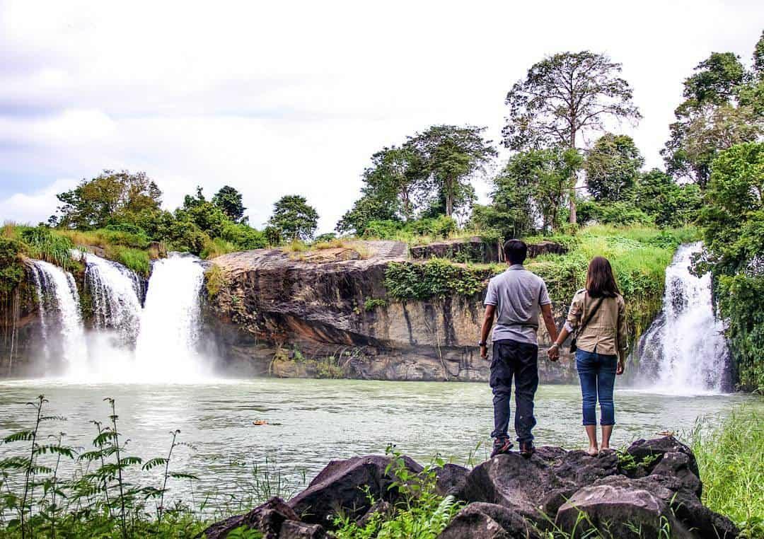 Những cặp đôi muốn nắm tay nhau đi khắp thế gian hẳn cũng không thể bỏ qua con thác Dray Sap