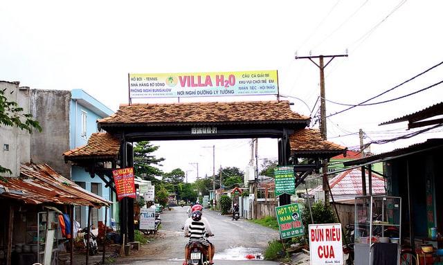 Hình ảnh đường đi dẫn vào khu du lịch sinh thái Villa H2O