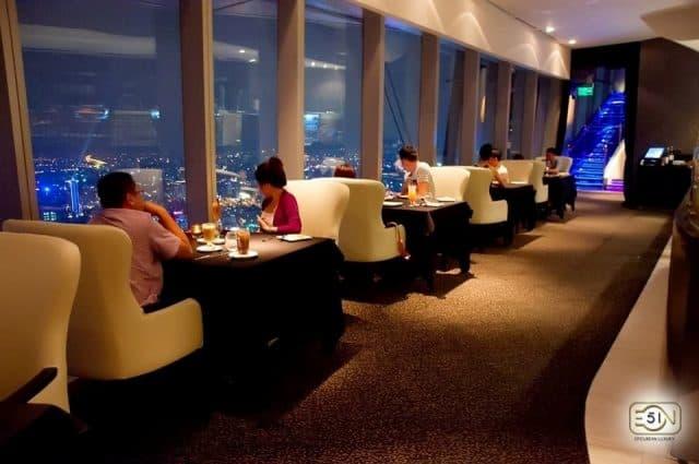 Hẹn hò ở quán cà phê siêu lãng mạn Sài Gòn