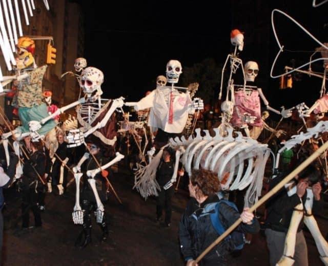 Diễu hành trong lễ hội Halloween