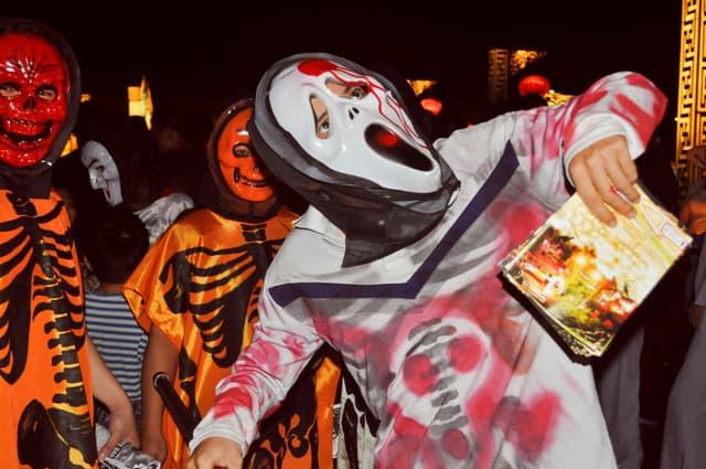 đi chơi halloween tại hội an
