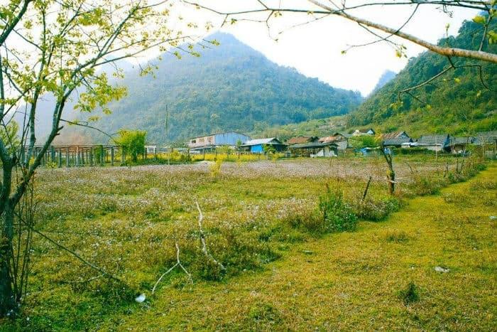 Bảng làng ở cổng trời Mường Lống