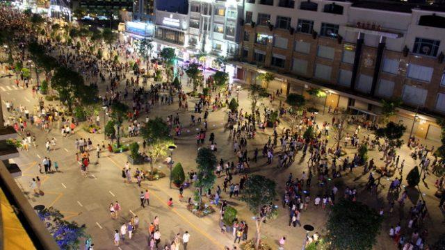 Phố đi bộ Nguyễn Huệ địa điểm hẹn hò siêu lí tưởng 20/10