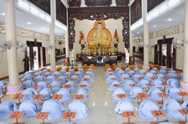 Hình ảnh Phật thất khóa 77 tại chùa Hoằng Pháp