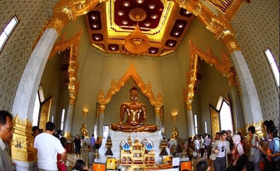 Hình ảnh bên trong chùa Bưu Long đẹp lộng lẫy