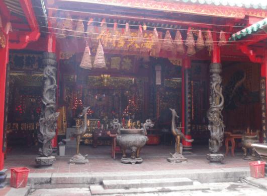 Hình ảnh chính điện của chùa Bà Thiên Hậu