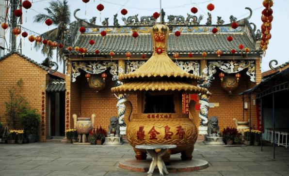 Ngôi chùa có kiến trúc mái vòm độc đáo