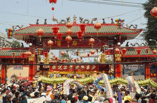 Hình ảnh chùa Bà Thiên Hậu Bình Dương những ngày lễ