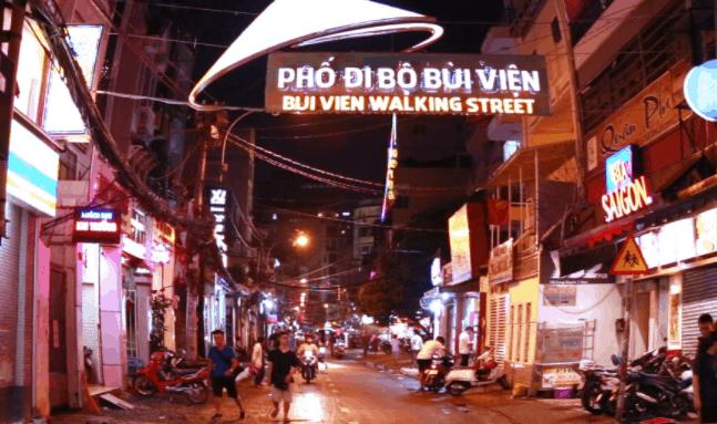 Hình ảnh con đường phố Tây Bùi Viện về đêm