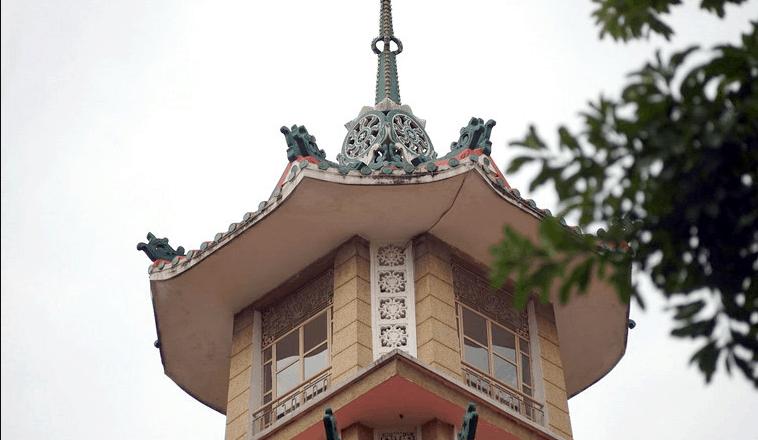 Hình ảnh đỉnh ngọn tháp 7 tầng tại Chùa Xá Lợi