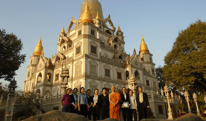 Hình ảnh kỉ niệm của du khách tới thăm quan chùa Bửu Long