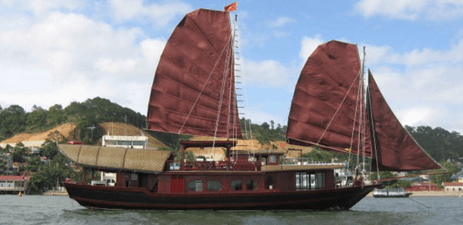 Hình ảnh một trong số thuyền buồm Đông Dương