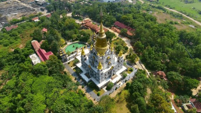 Hình ảnh toàn cảnh ngôi chùa Bửu Long từ xa