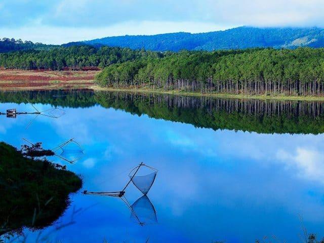 Hồ Tuyền Lâm Đà Lạt - Say đắm vẻ đẹp yên bình hiếm có - Vntrip.vn