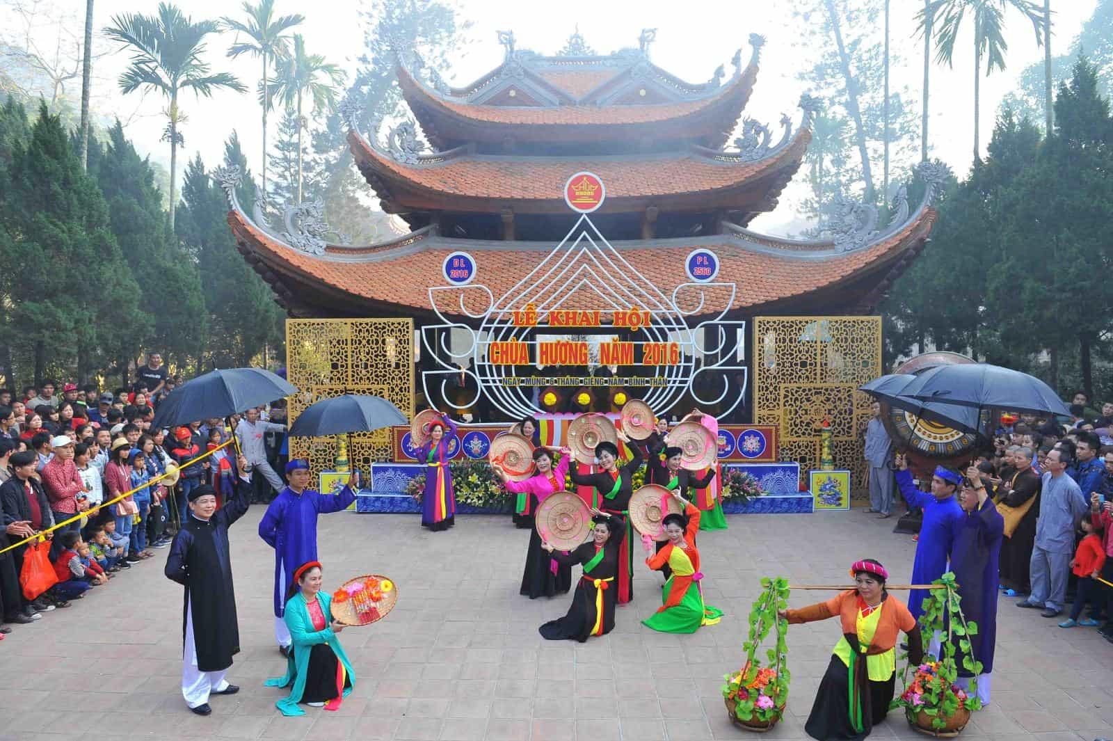 Lễ hội chùa Hương