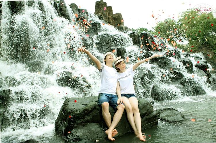 Giang Dien blooming phoenix season