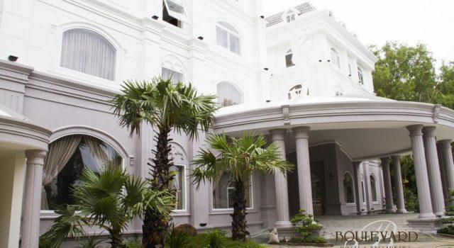 Khách sạn Boulevard Hotel
