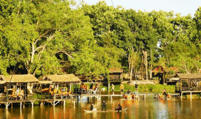 Khoảng không gian xanh mát tại nhà vườn Long Phước