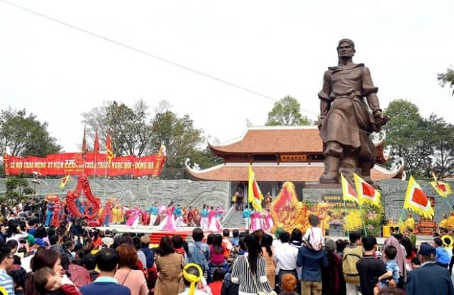 Khu vực tượng đài vua Quang Trung (Ảnh: Sưu tầm)