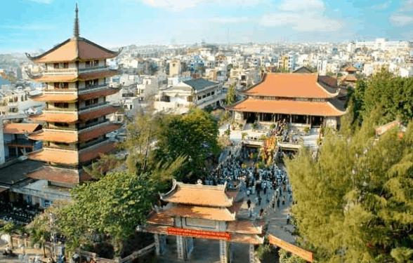 Khung cảnh tại chùa Vĩnh Nghiêm nhìn từ trên cao