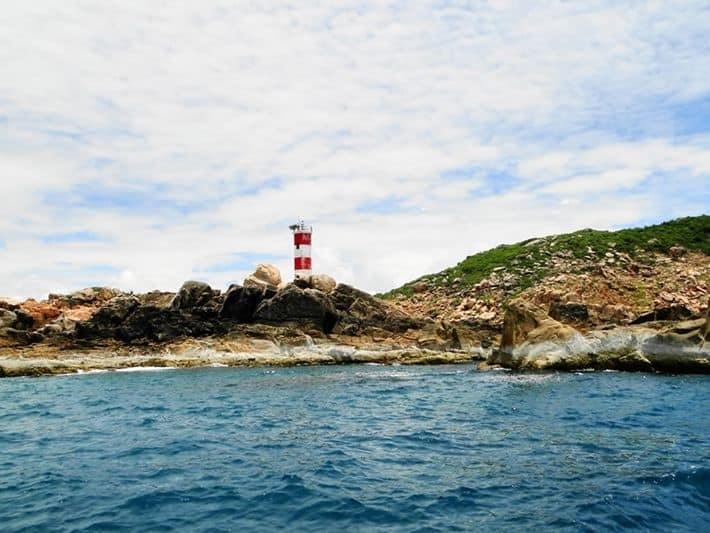 Ngọn hải đăng gành Đèn - Phú Yên (Ảnh: ST)