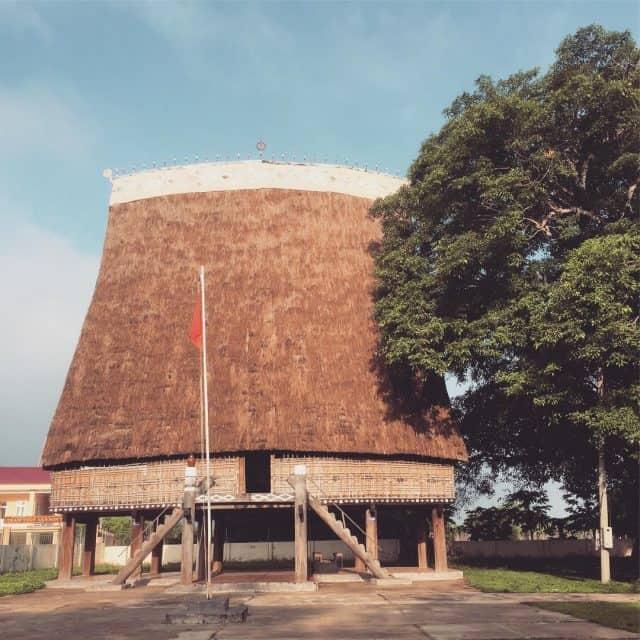 Nhà rông Kon Klor (Ảnh sưu tầm)