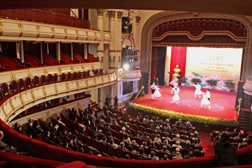 Nhà hát lớn - Địa điểm lý tưởng của những người yêu thích nghệ thuật