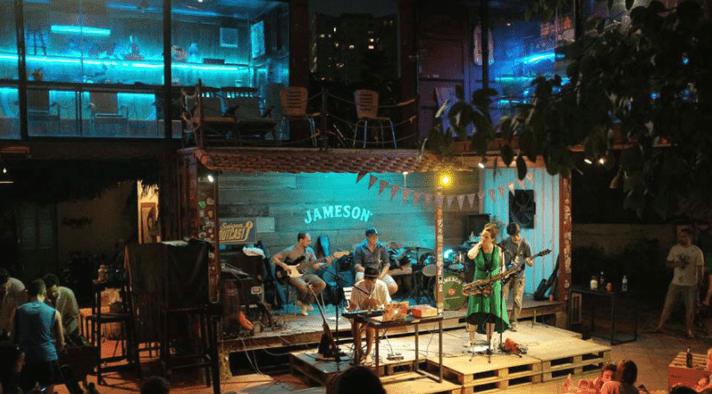 Nhiều nghệ sĩ nước ngoài chọn đây làm nơi lưu diễn ca hát