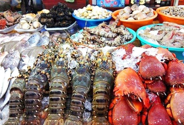 Chợ đêm Bạch Đằng - Thiên đường hải sản