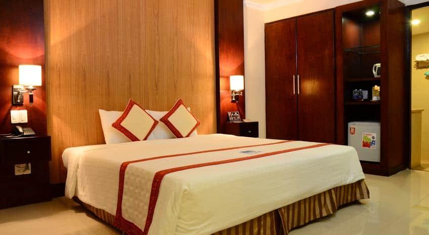 Không gian ấm cúng tiện nghi bên trong khách sạn