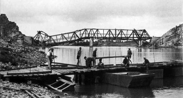 Cầu Hàm Rồng Thanh Hóa một thời chiến tranh