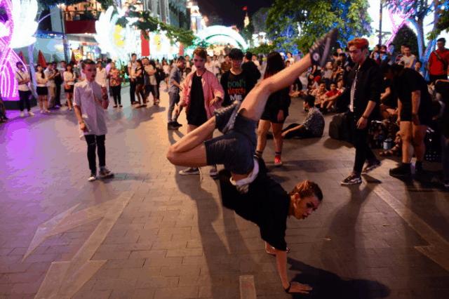 Hoạt động vui chơi tại phố đi bộ Đà Lạt
