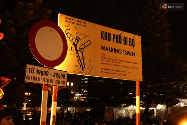 Biển cấm về nội quy khu phố đi bộ Đà Lạt