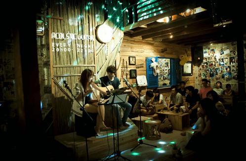 Tận hưởng không gian âm nhạc tại quán cafe nhạc sống