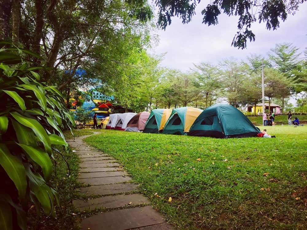 Rent a camping tent to rest.  Photo: @ kem.bac.ha.2852