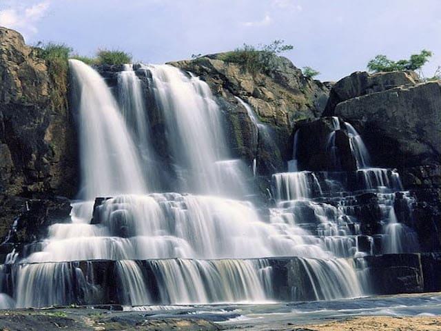 Một nơi như thác Yaly thật chẳng có du khách nào muốn rời khỏi nơi này (Ảnh sưu tầm)